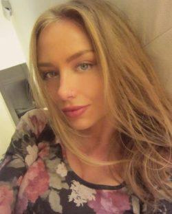 Девушка ищет мужчину в Набереженые челны для интим досуга